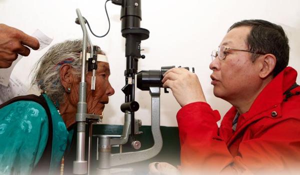 """独家直播:2015年""""西藏光明行""""大型公益活动"""