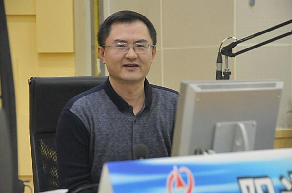 山东交警总队 省国税局 济南海关做客《阳光追踪》