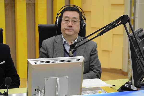 山东经济和信息化委员会做客《阳光政务热线》