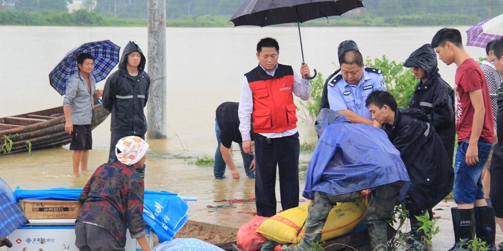 安徽宿松遭遇洪涝灾害 22名大学生志愿者赴现场提供志愿服务