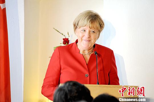"""德国总理默克尔发表新年致辞:""""时不我待"""""""