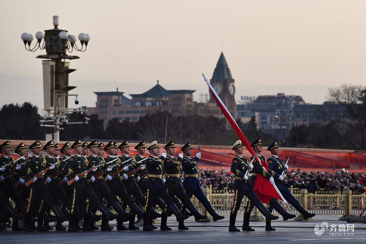 2018年1月1日晨,北京天安门广场举行隆重的升国旗仪式,这是由人民解放