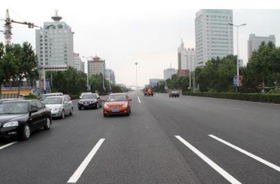 聊城交通优化升级  市民:原来真堵,现在真快