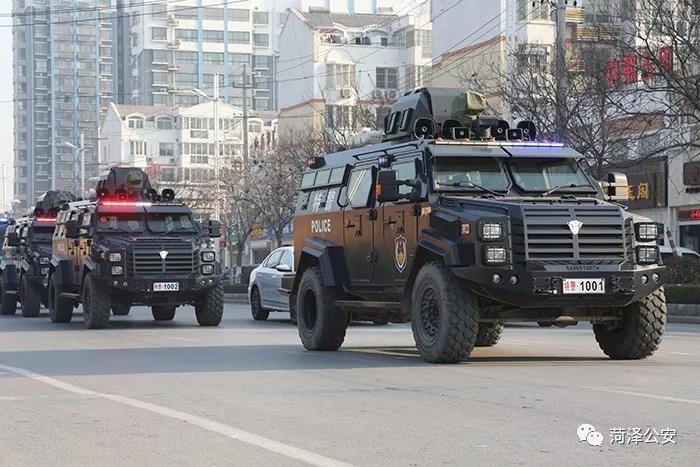 菏泽市公安民警节日期间坚守岗位掠影