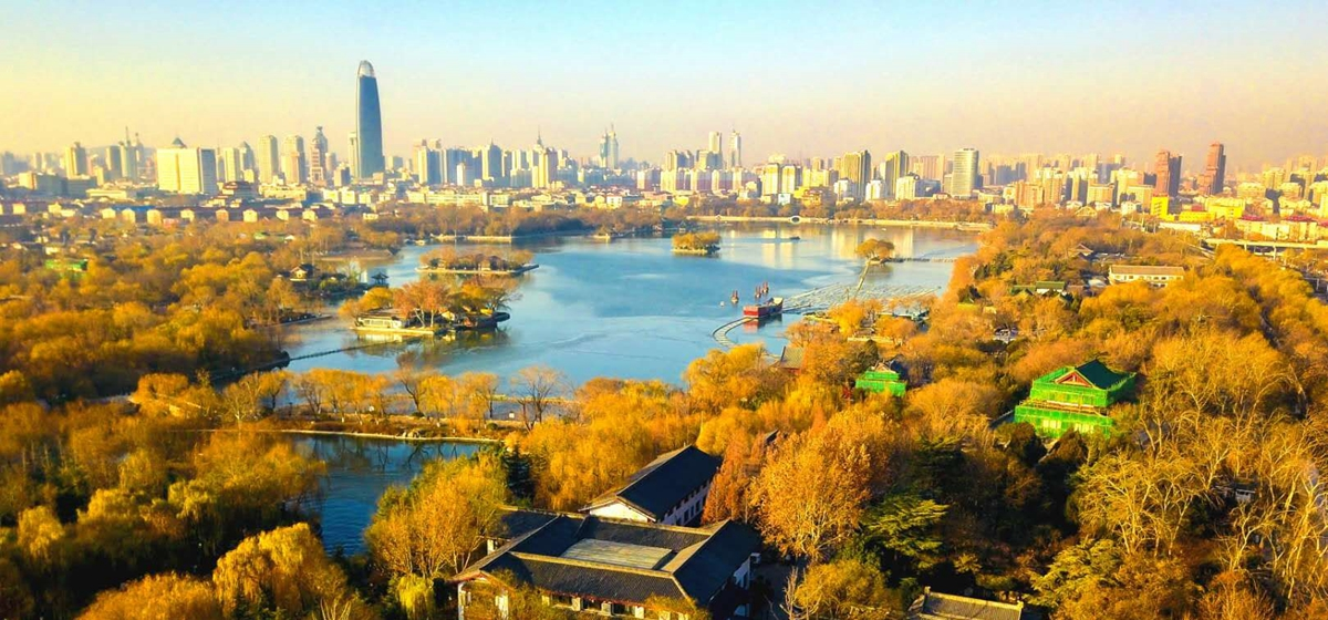 最美山东丨明湖冬日别样斑斓 俯瞰犹如巨型冰画