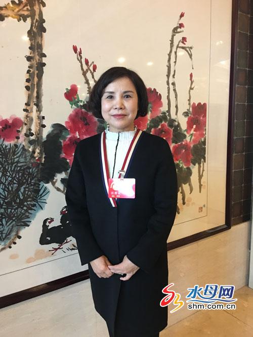 市政协委员孔宪凤:错峰上下班缓解交通拥堵