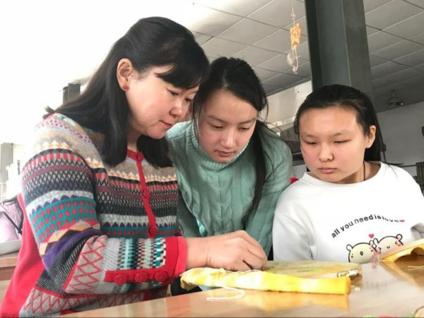 点赞!张莉成为首位获得齐鲁首席技师荣誉称号的残疾人