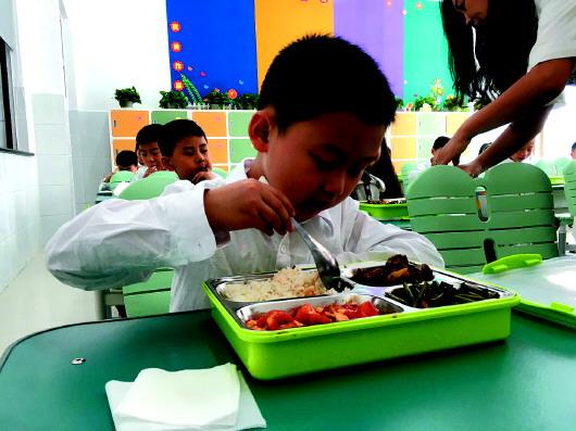 学生吃饭、大班额等咋解决?济南市教育局局长这样说