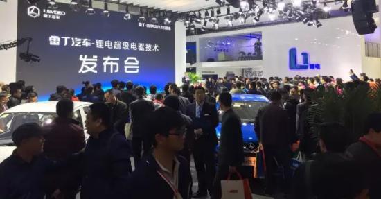 轰动行业!首个单月产销双破3万的微型电动汽车品牌荣耀诞生!1068