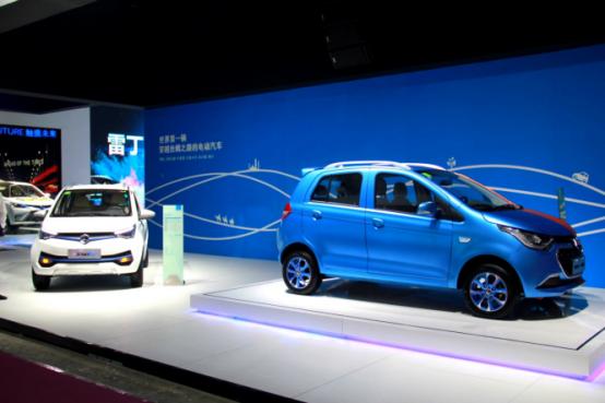 轰动行业!首个单月产销双破3万的微型电动汽车品牌荣耀诞生!1066