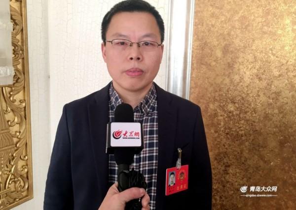 青岛市政协委员贾小平:引进保险主体 科学管理环境风险