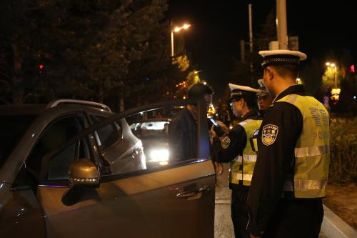 """淄博一男子喝酒""""失忆""""开车上路出事故 驾驶证被吊销"""