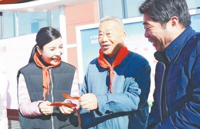 模范教师李振华牵手爱心单位援建希望小学
