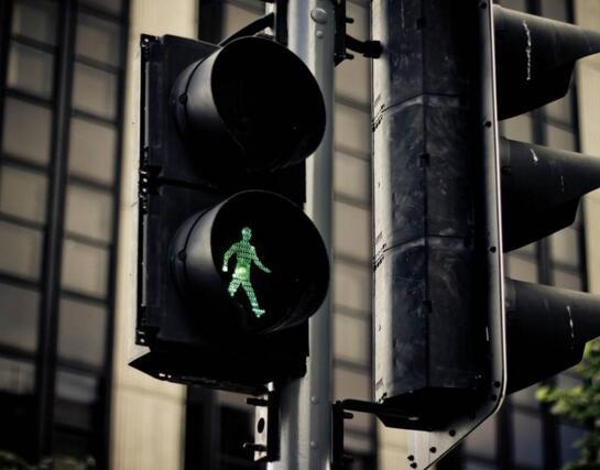 """济南北园大街等将设""""感应信号灯"""",压车多绿灯会延长"""