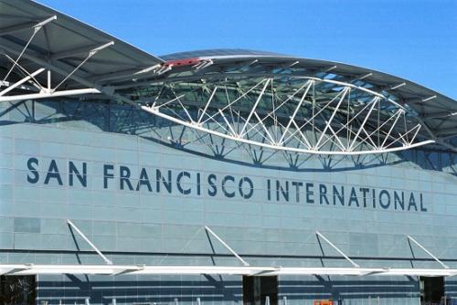 半年三次险情!旧金山国际机场飞机降落险撞机