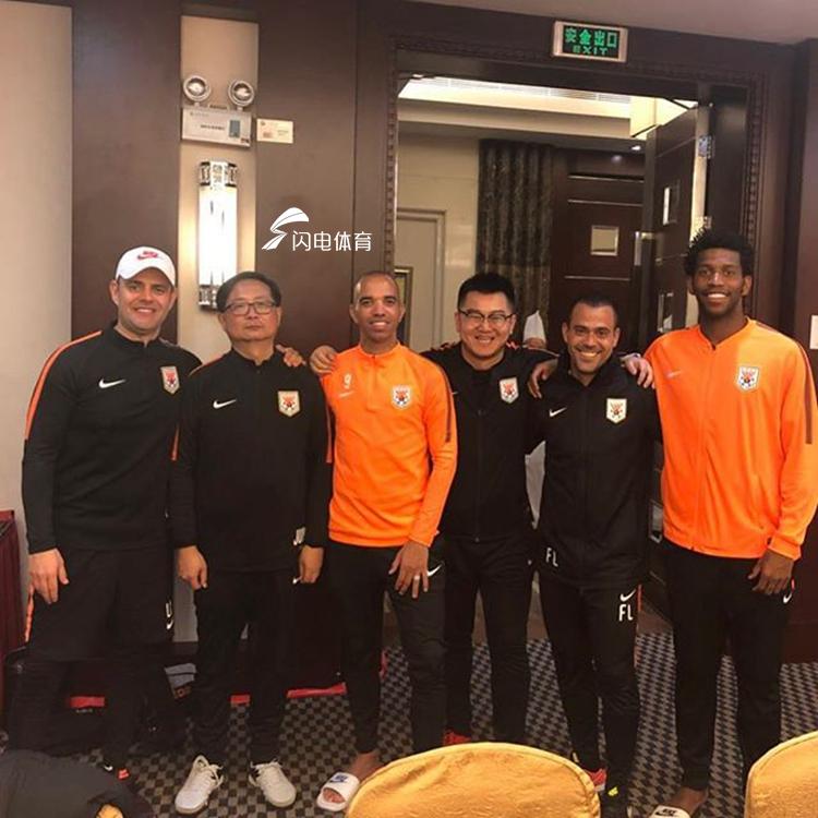 鲁能广州冬训开启一周 本土球员调整有条不紊