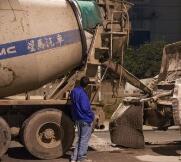 一混泥土车潍坊主干道撒漏 追查三天被顶格处罚三万