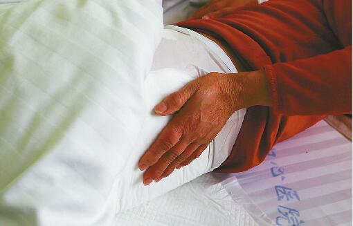 患者做正骨腰椎骨折 崔大夫推拿店:与隐瞒病症有关