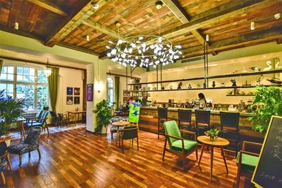 咖啡飘香 市南百年老建筑变网红咖啡店(组图)