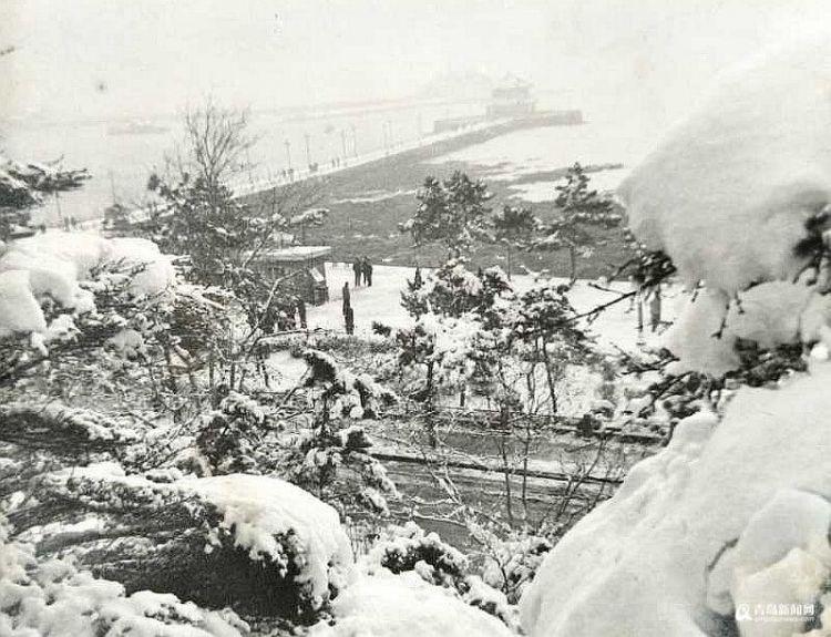 高清:老照片里的冬日青岛 里面有你的回忆吗