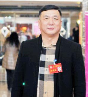市政协委员徐飞:引导市内资金参股本市挂牌企业