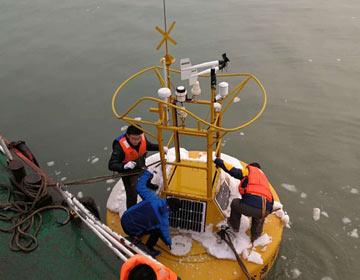 滨州市首次进行浮标回收工作