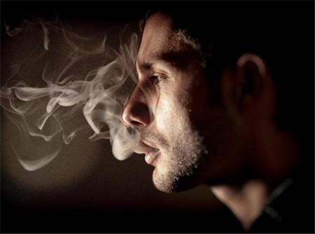 吸烟太多会骨骼变脆弱、恶化炎症