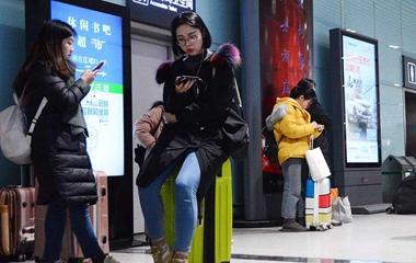 济南火车站迎来学生返乡最高峰