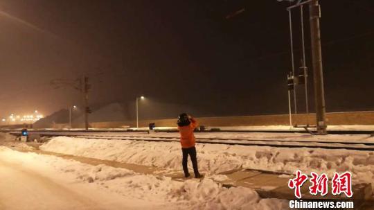 新疆乌鲁木齐地震影响新疆铁路正常运行