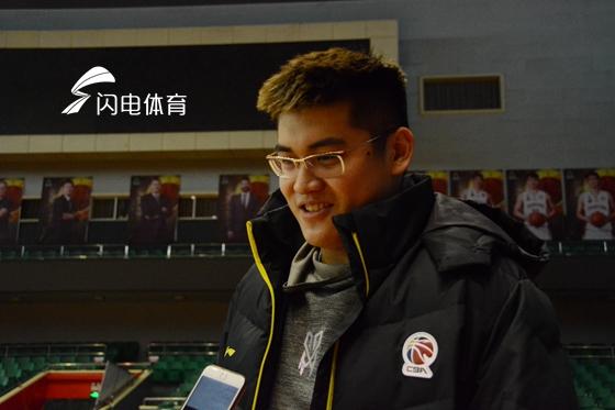 徐煜峰战旧主感慨万千 与山东队员依然是好兄弟!