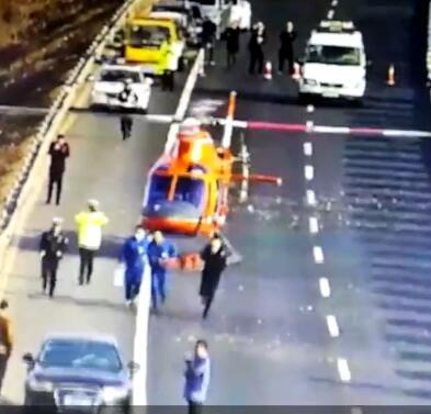 转院车辆高速上抛锚 济宁市一院救援直升机抢救患者