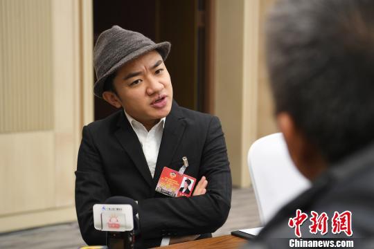 王祖蓝履新广西政协委员 紧张兴奋盼推动桂港影视文化合作