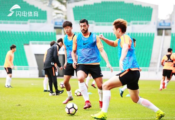迪拜集训确定一线队阵容 鲁能海外拉练将进行6场热身赛