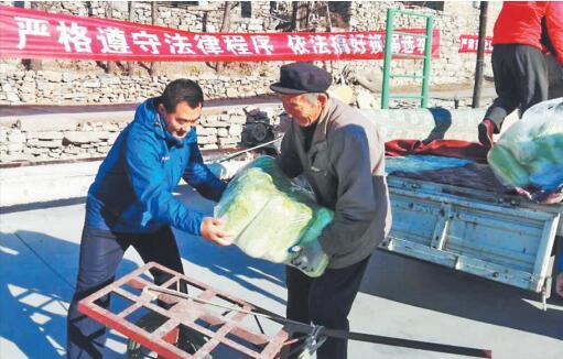 第一书记杨杰:为帮村里小米卖个好价 自己开车跑了四五十趟