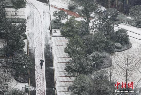中东部气温持续偏低 雨雪冰冻天气致400余万人受灾
