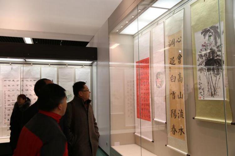 """济宁市教育系统第四届""""廉政文化进校园""""书画作品展开幕"""