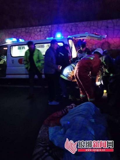 点赞!外地人高速路上发生交通事故 三位临沂人施救