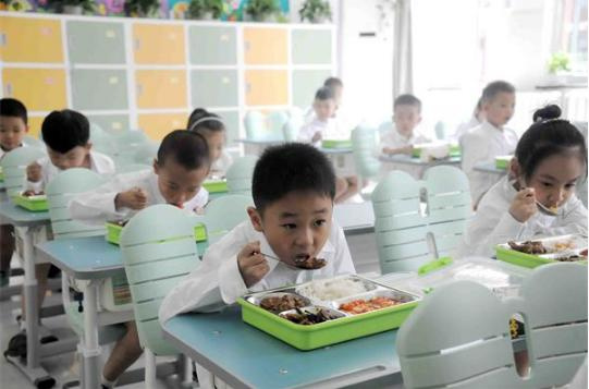 解决午餐问题,济南今年新建50处学生集中就餐场所