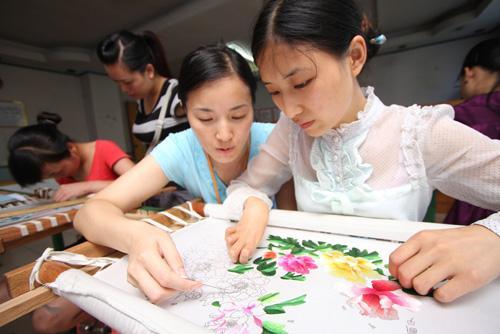 淄博:残疾人创业有成 不忘奉献爱心