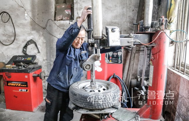 经营49年济宁轮胎修理店见证城市变化:扎胎的变少了