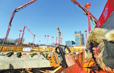 济南轨道交通R1线11个车站全部封顶 预计7月份轨道铺设将全部完成