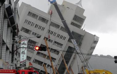 台湾花莲震后救援工作持续进行