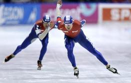 全国青少年速滑锦标赛淄博选手勇夺奖牌