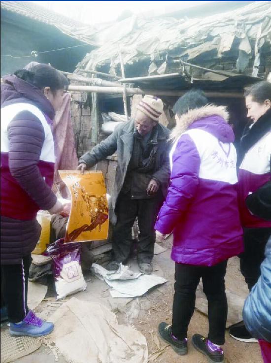 潍坊数十爱心企业、个人捐钱物 九百困难户收到年货