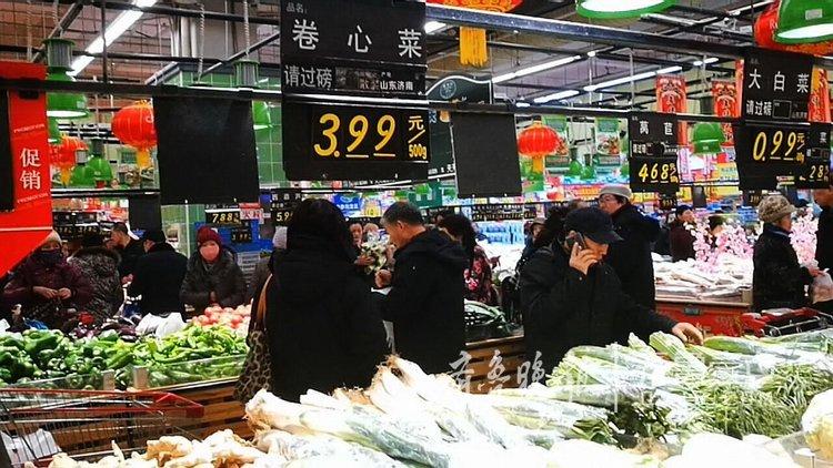 临近过年,济南菜价翻番挡不住市民抢购