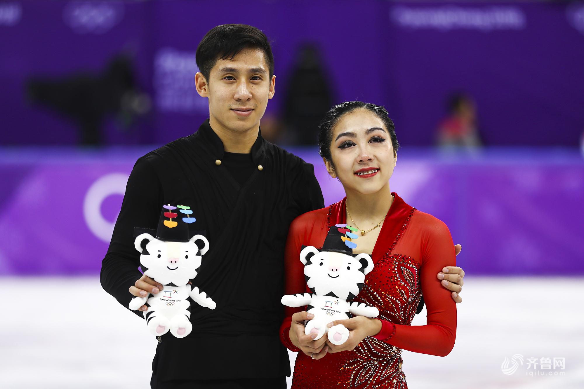 2018平昌冬奥会花滑双人自由滑颁奖:韩聪/隋文静摘银