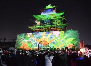 聊城上演大型3D灯光秀 绚目光影令人震撼