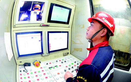 今年春节期间近7000人坚守青岛地铁一线岗位