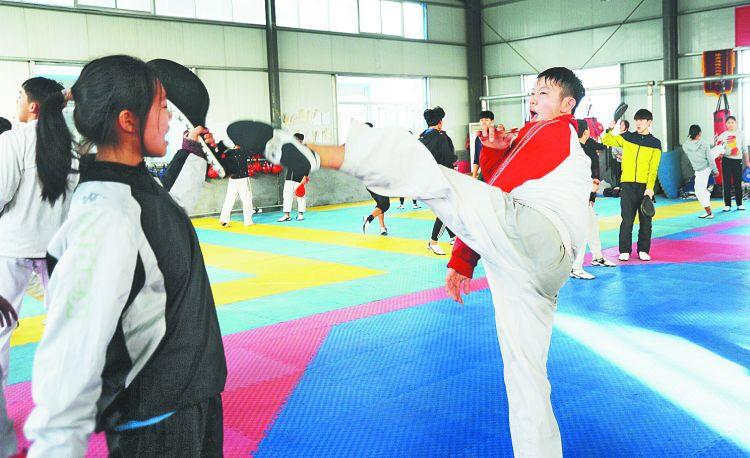 备战省运会 淄博体育健儿春节期间坚持训练