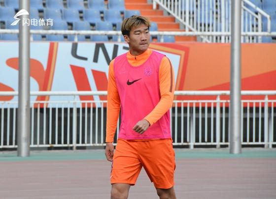 U23小将调皮:不给球队拖后腿 腼腆回应鲁能换帅变化